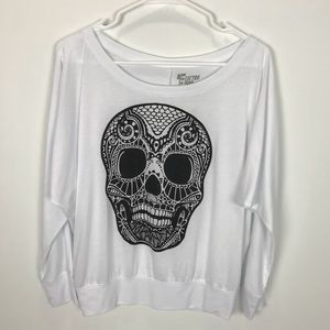 6f784c5507c80 2/$15 Electro Threads White Top With Skull Large